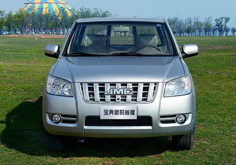 2013款2.8T两驱柴油豪华时尚版