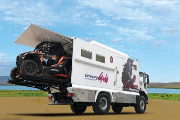 速腾房车越野卡车房车带着UTV、哈雷机车走天下