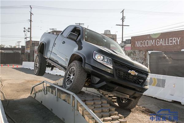 直击洛杉矶车展,中型皮卡之战