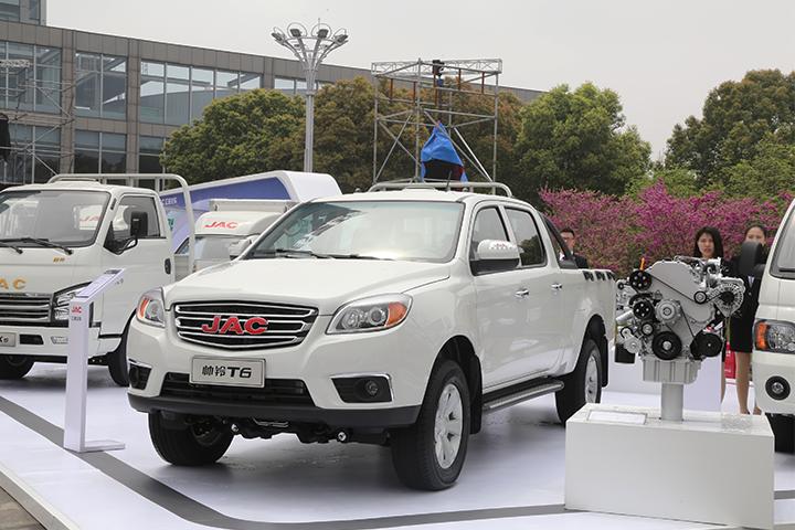 2018款2.0CTI 柴油  两驱  6MT 旗舰版 标准货箱