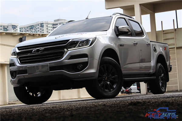 2017-Chevrolet-Colorado-X-01.png