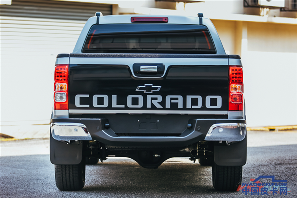 2017-Chevrolet-Colorado-X-02.png