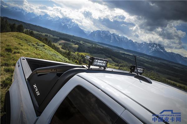 2018-Chevrolet-Colorado-ZR2-Dusk-Edition-092.png