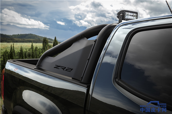 2018-Chevrolet-Colorado-ZR2-Midnight-Edition-089.png