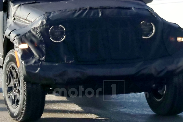 2019-jeep-scrambler-spy-photo (3)_.png