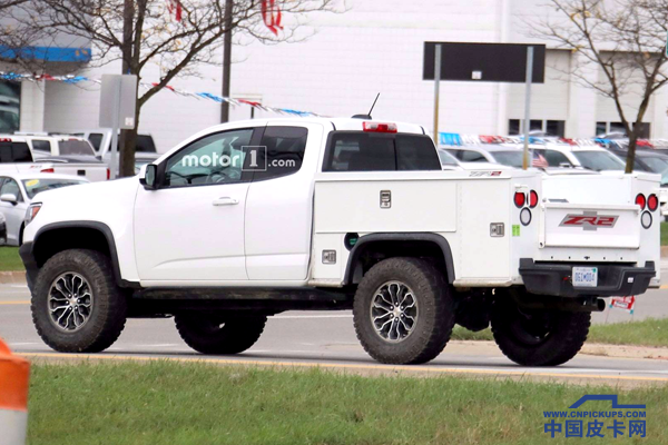 chevy-colorado-zr2-utility-spy-photos (3)_.png