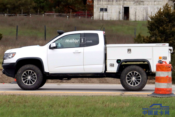 chevy-colorado-zr2-utility-spy-photos (1)_.png