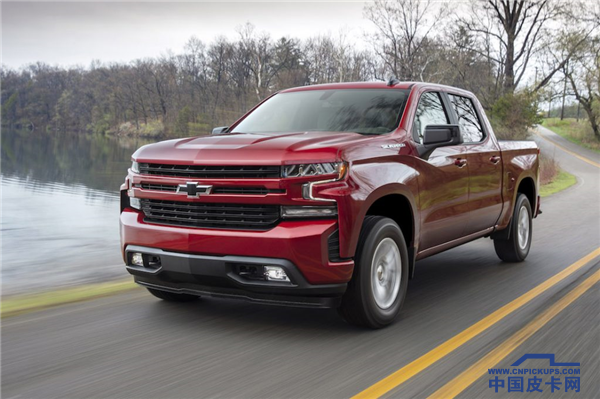 2019-chevy-silverado-driving-review-1024x682.png