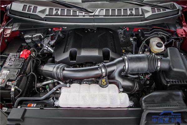 2017-Ford-F-150-Platinum-4x4-EcoBoost-engine.png