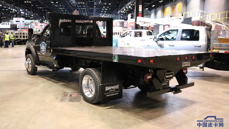 2019-ram-chassis-cab (4).png