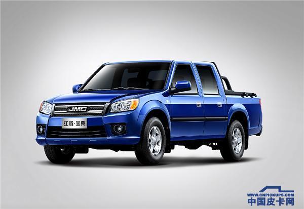 宝典皮卡推荐 小编看好1.8T汽油版两驱长轴豪华型