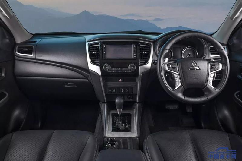 59-Mitsubishi-Triton-Double-Cab-4WD-GT-2019.webp_.png