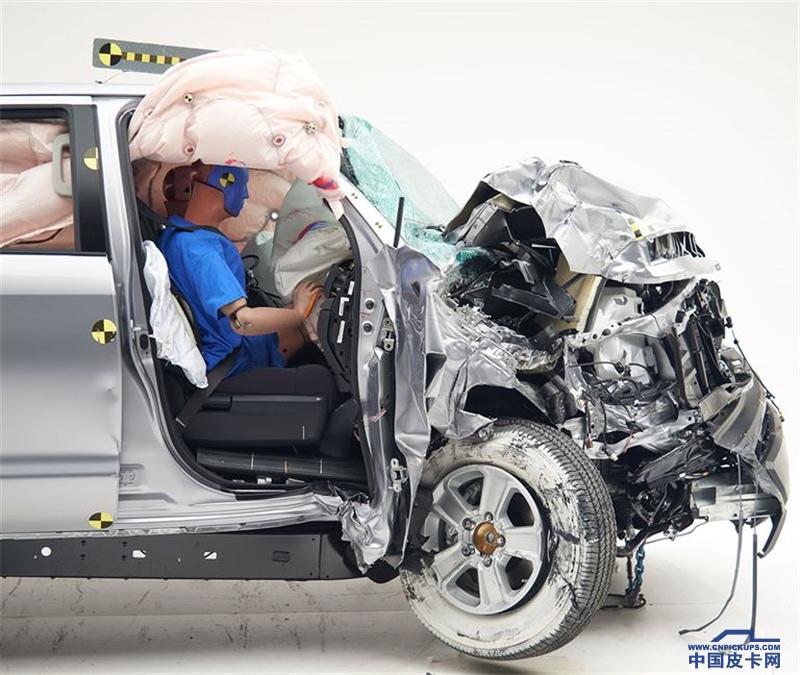 IIHS测试11款皮卡:乘客侧安全普遍不足 丰田坦途表现最差