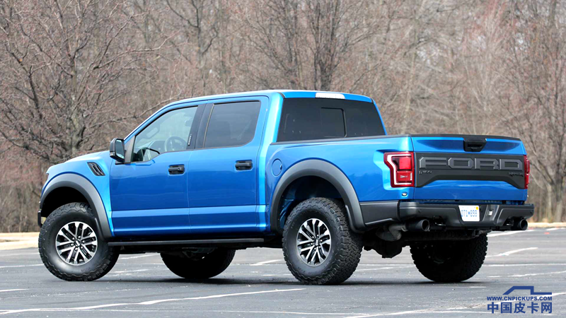 2019-ford-f-150-raptor-review (1)_.png