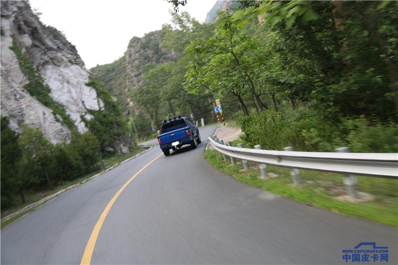 同款发动机驾驶感受却不同 是什么影响了大皮卡的操控?