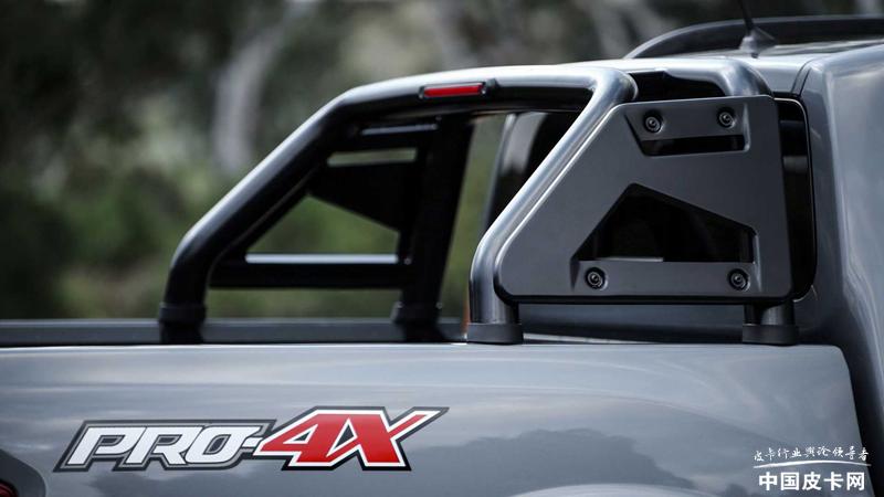 新款纳瓦拉海外版发布 顶配为PRO-4X版本