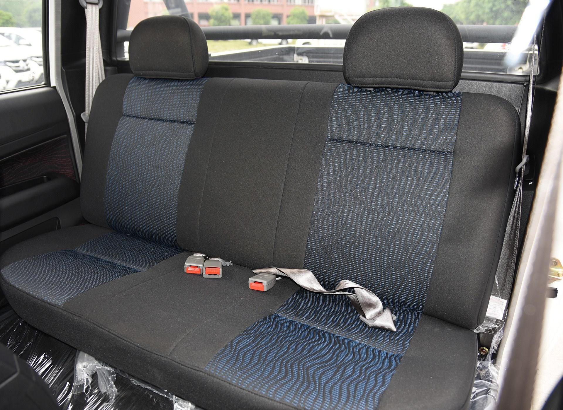 雄师F16车厢座椅