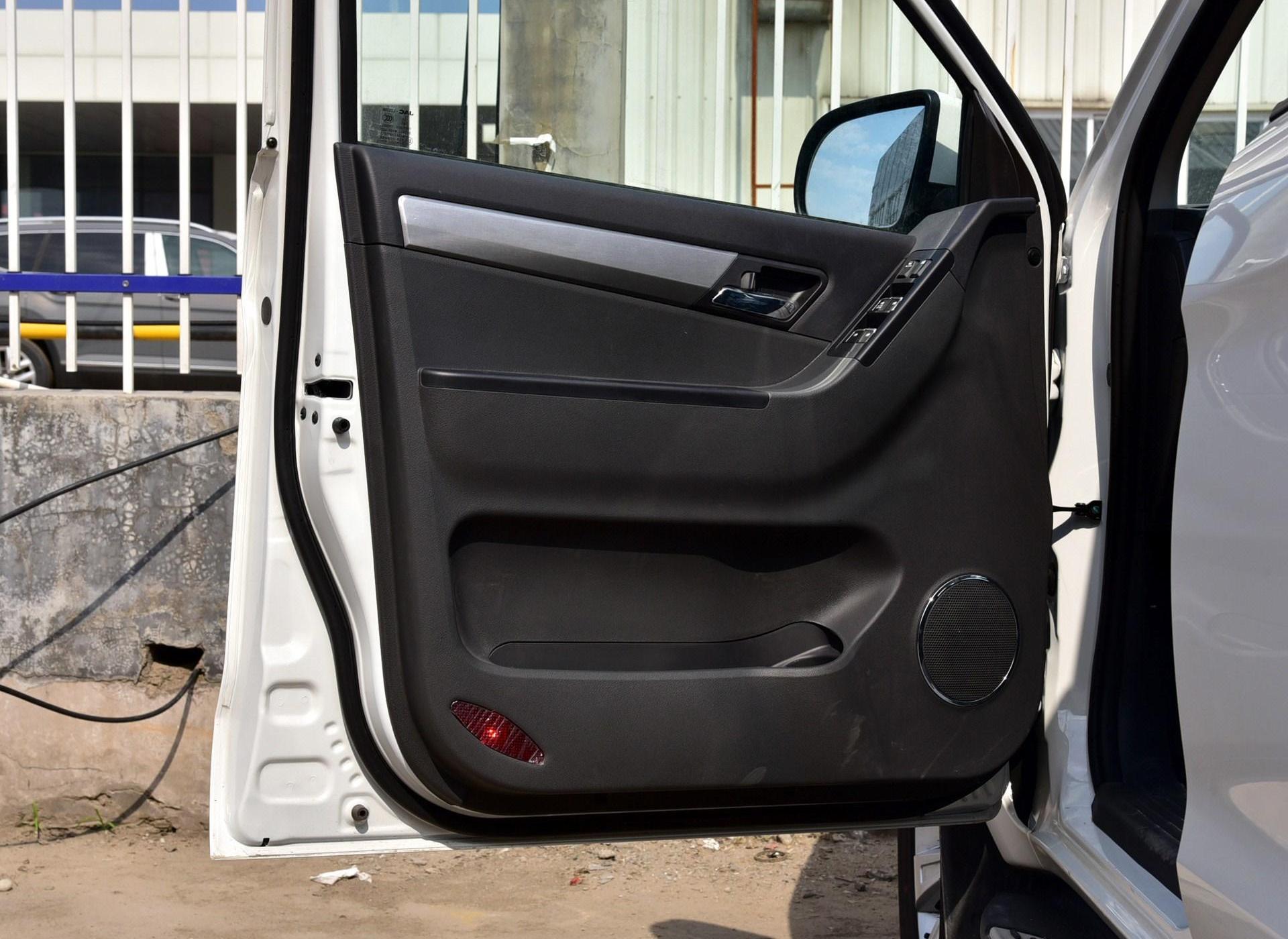 帅铃T6车厢座椅