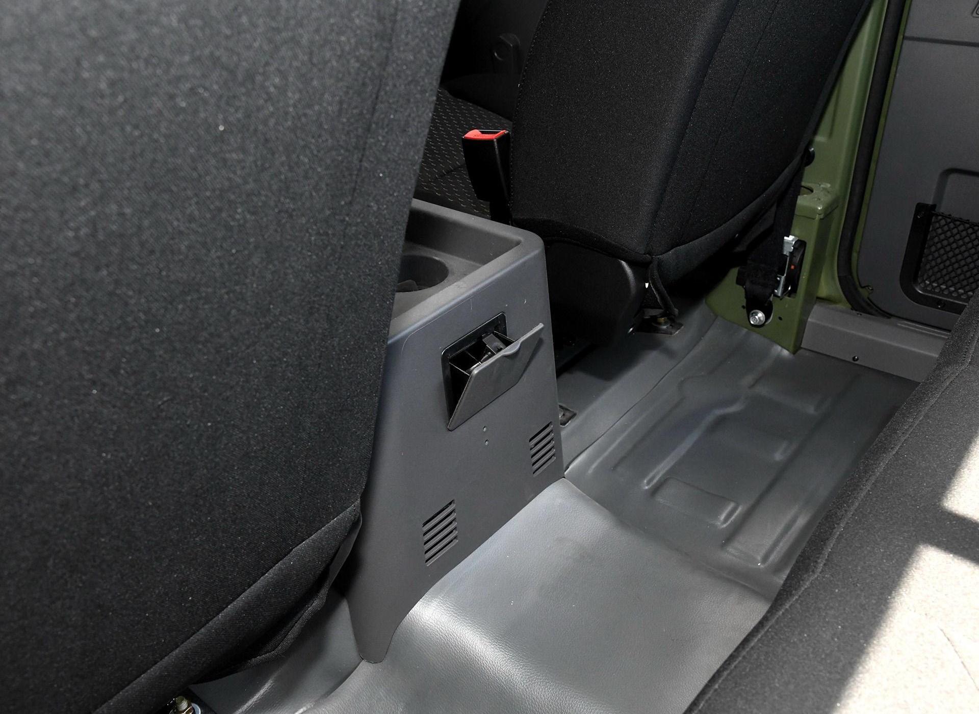 勇士皮卡车厢座椅