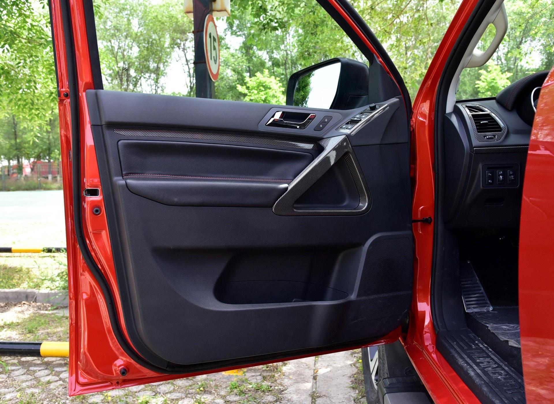 黄海N3车厢座椅