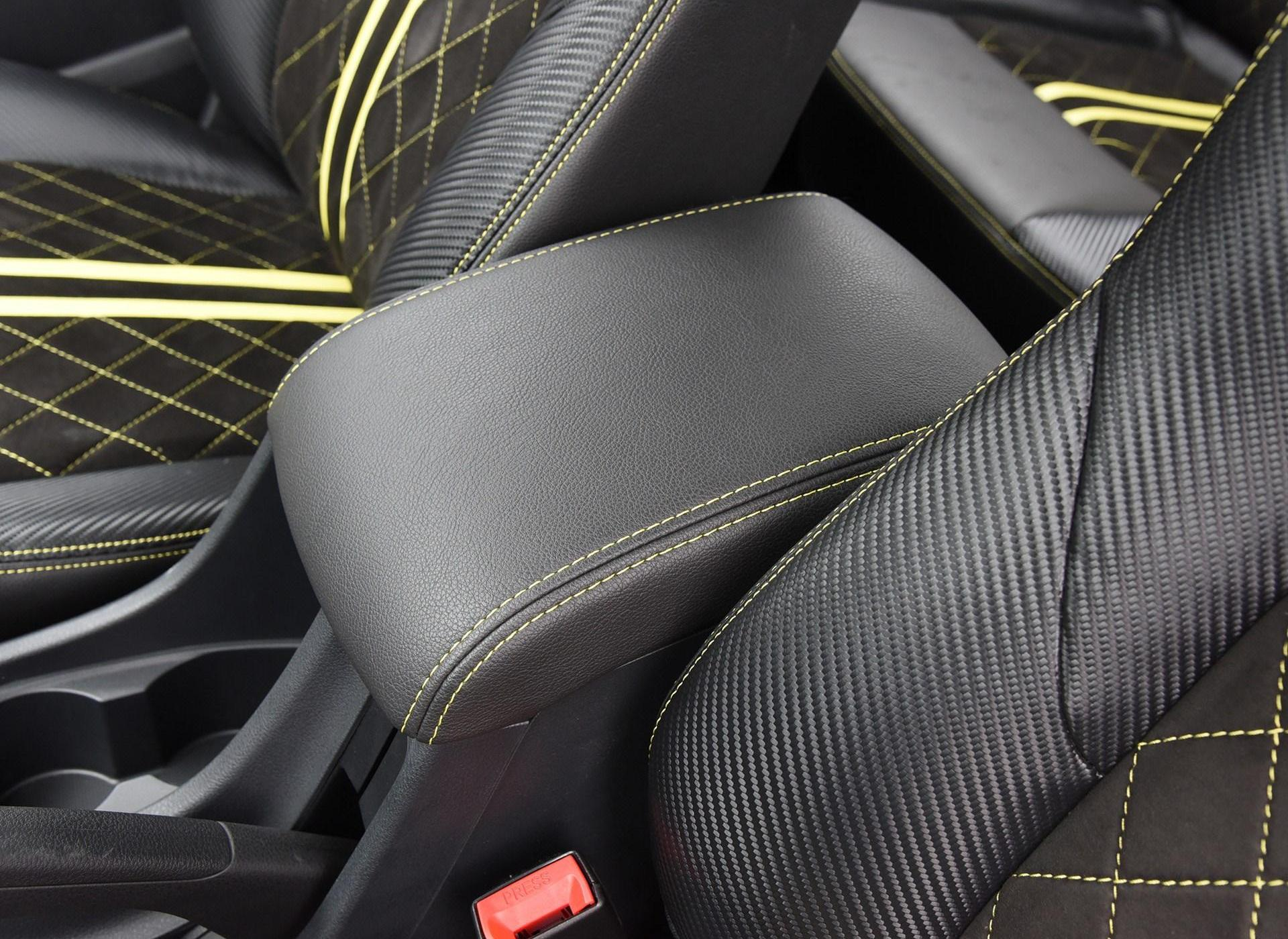 D-MAX车厢座椅