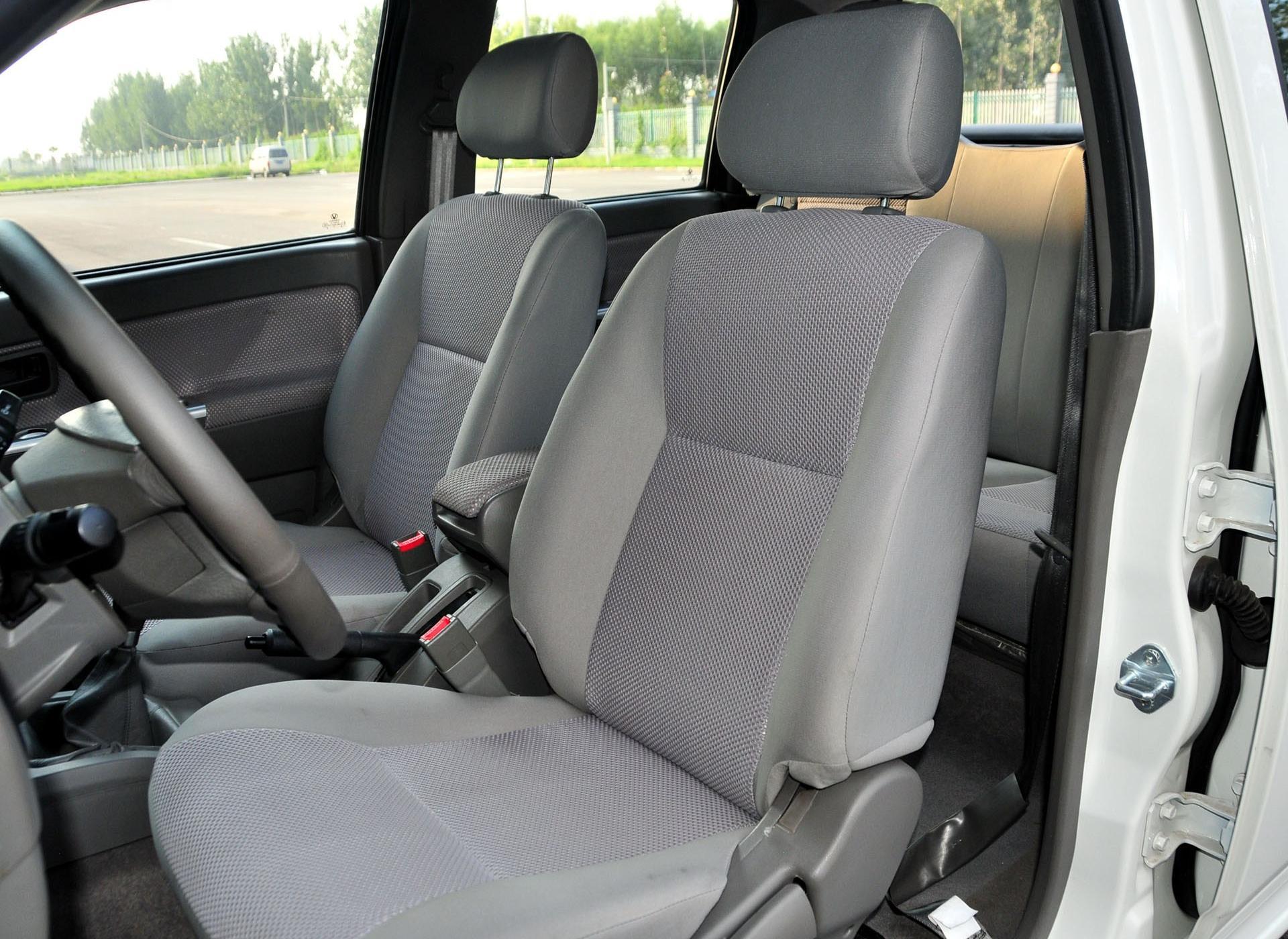成功X1车厢座椅