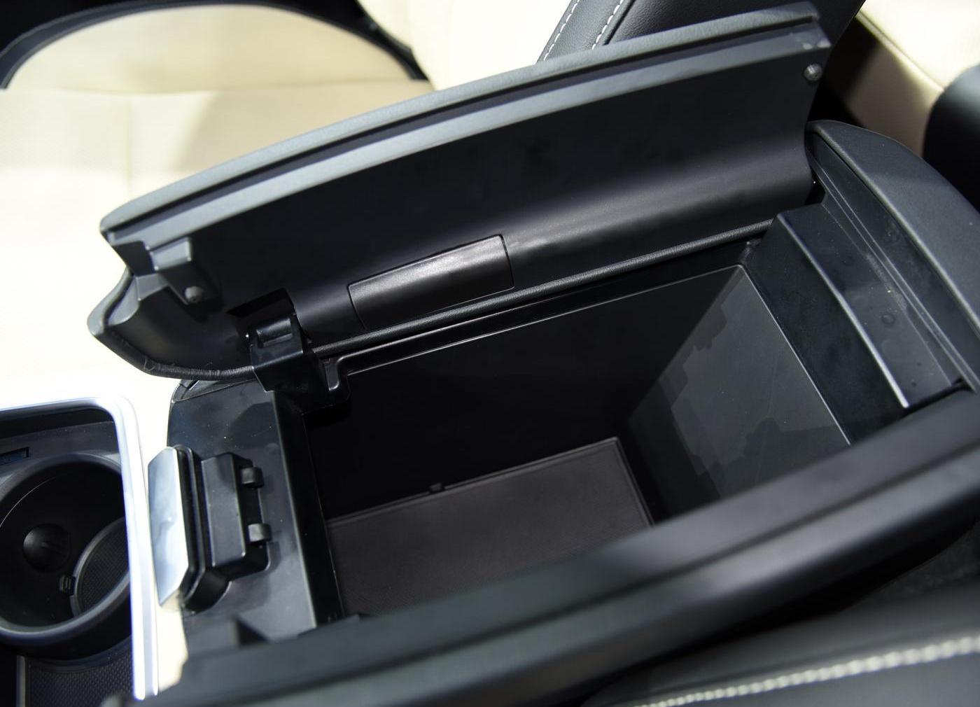 域虎9車廂座椅
